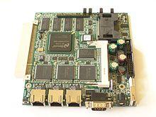 Soekris net4801, een ingebed systeem gericht op netwerktoepassingen.
