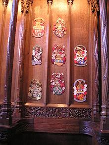 Столовые тарелки Рыцарей Чертополоха