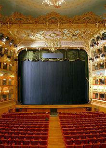 De binnenkant van het Teatro La Fenice in Venetië