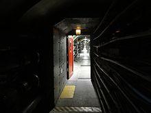 Ondergrondse tunnel tussen de Thames Barrier-pijlers.