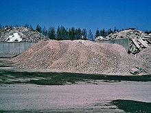Het puin werd verbrijzeld voor recycling en verkocht.