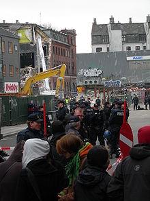 De achterkant van Ungdomshuset zoals die in de ochtend van 5 maart 2007 werd gesloopt.