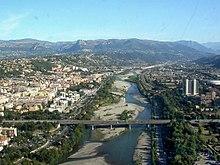 Var między Niceą a Saint-Laurent-du-Var