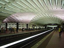 Metro Center ist die Umsteigestation für die Metrorail-Linien Rot, Orange und Blau