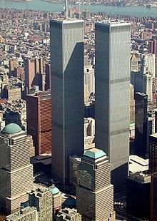 Het World Trade Center in maart 2001, dat door de aanslagen werd vernietigd.