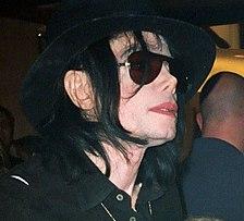 Michael Jackson, Amerikaans singer-songwriter, platenproducer en danser. Hij was een van de meest opmerkelijke popzangers aller tijden.