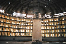 Binnenaanzicht van Presidio modelo, een gevangenis op een eiland, in Cuba