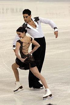 Танцы на льду: Лука Ланотте и Анна Каппеллини танцуют Пасо Добле на льду.