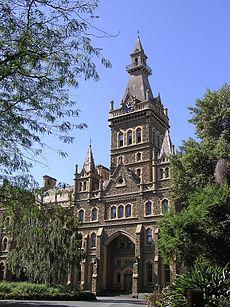 Ormond College (1879), Universiteit van Melbourne