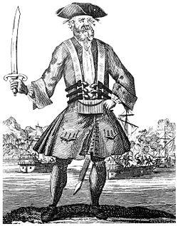"""Эдвард Тич, родом из гравюры Бенджамина Коула """"Общая история грабежей и убийств наиболее известных пиратов"""" (1724 г.)."""
