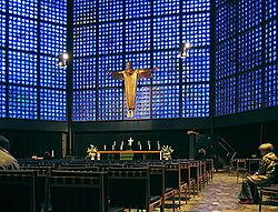 Внутри новой церкви