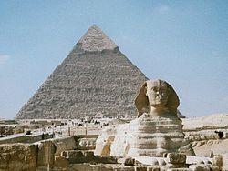Die Große Sphinx von Gizeh und die Chephren-Pyramide