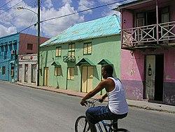Felgekleurde huizen van High Street, Barbados