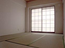 Zes-mat kamer met tatami vloer en shoji