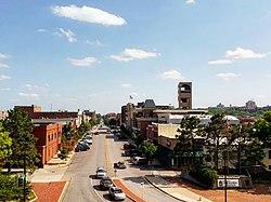 Lawrence, kde sídlí Kansaská univerzita.