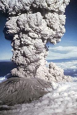Il Monte Sant'Elena erutta il 18 maggio 1980