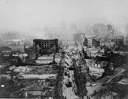Schade door de aardbeving in San Francisco, Californië, ergens in 1906.