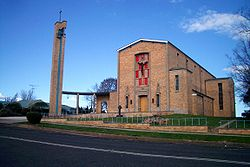Église catholique St Augustines, Meehan Street Yass, 1956 par l'architecte John Fowell