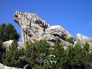 Grizlija virsotne Disneja Kalifornijas piedzīvojumā