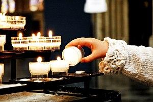 Goreča sveča.