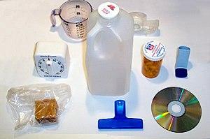 Deze objecten zijn allemaal gemaakt van plastic.