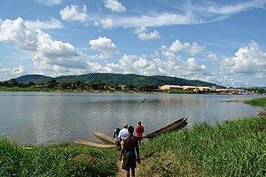 Ubangi River aan de rand van Bangui.