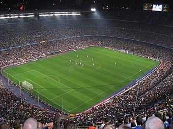 Zicht op het stadion vanaf de top.