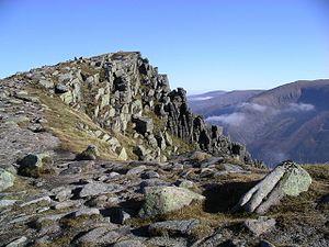 Sgor Gaoith (1118 m). Rechts is Cairn Gorm (1245 m) te zien.