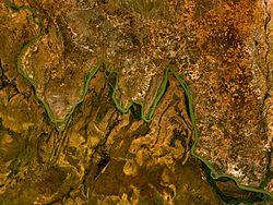 Bochten in de rivier de Niger waaraan W National Park zijn naam dankt.
