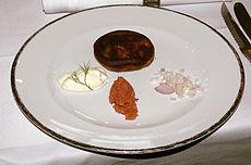 Blini-Davidoff: Boekweitkoeken met kaviaar en uien