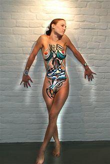 Vrouw met bodypaint kunst