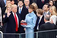 President Trump die de ambtseed aflegt