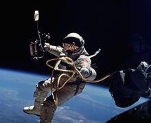 Ed White op Gemini 4: eerste Amerikaanse ruimtewandeling, 1965