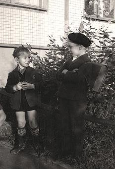 Envy and Self-satisfaction, 1965, een foto van Vitold Muratov.