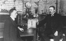 Geiger (l.) con Ernest Rutherford c. 1905