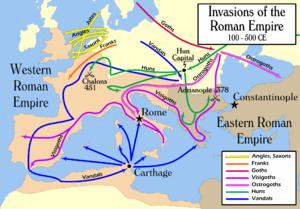 Deutsche und Hunnenstämme fielen 100-500 n. Chr. in das Römische Reich ein. Diese Invasionen führten schließlich im 5. Jahrhundert n. Chr. zum Untergang des Weströmischen Reiches.