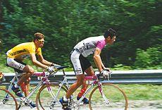 1997 Tour: Jan Ullrich in de leiderstrui, met Udo Bölts in het zadel.