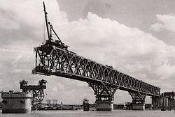 De Yangtze brug van Nanjing, toen hij gebouwd werd...