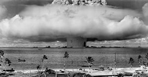 """Die """"Baker""""-Explosion, Teil der Operation Crossroads, im Bikini-Atoll, Mikronesien, im Jahr 1946."""