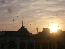 """Der berühmte """"Data Durbar""""-Schrein des Sufi-Heiligen Hazrat Ali al-Hajvery in Lahore ist bei Anhängern aus der ganzen Welt bekannt."""