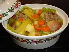 Een pot-au-feu, de traditionele Franse stoofpot